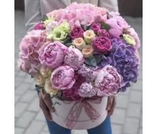 Шляпная коробка с цветами №01