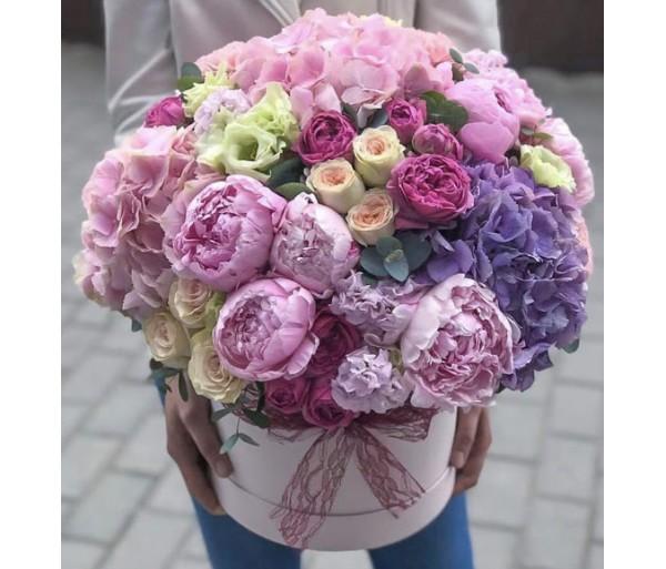 Шляпная коробка с цветами №1
